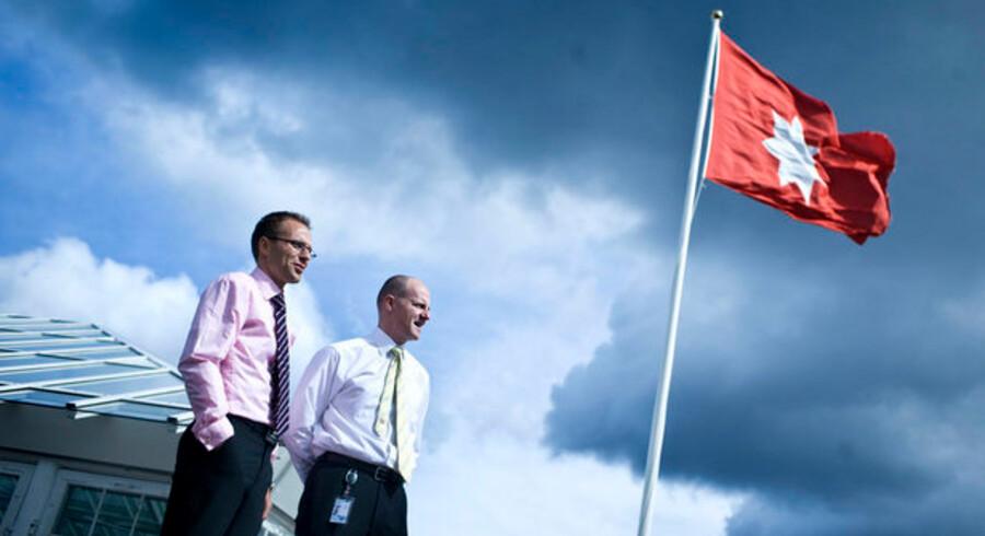 Carsten Mortensen (til højre) og resten af medarbejderne i rederiet Norden kan sole sig i titlen som Nordens bedste aktieselskab de seneste ti år.