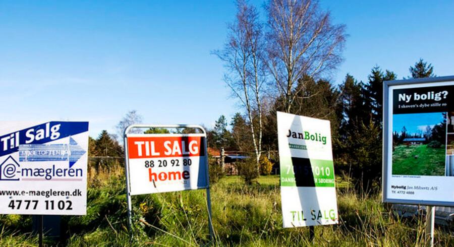 Markant flere boligsælgere vælger at vente med at sælge. Det ser værst ud for ejere af lejligheder.