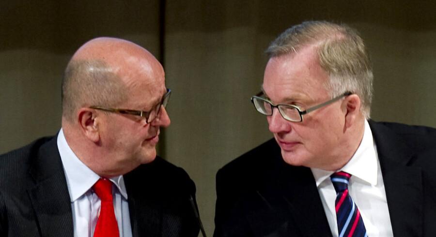 SAS-topchef Mats Jansson (til venstre) og bestyrelsesformand Fritz Schur (til højre) under SAS' generalforsamling i april i år. Foto: Pontus Lindahl, AFP/Scanpix