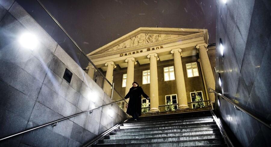 Danske Bank er blevet tvunget til at reducere sit indlånsunderskud på 75 mia. kr. blandt andet på grund af, at »Danske Bank er Danmarks største bank og meget væsentlig for den finansielle stabilitet i Danmark.«