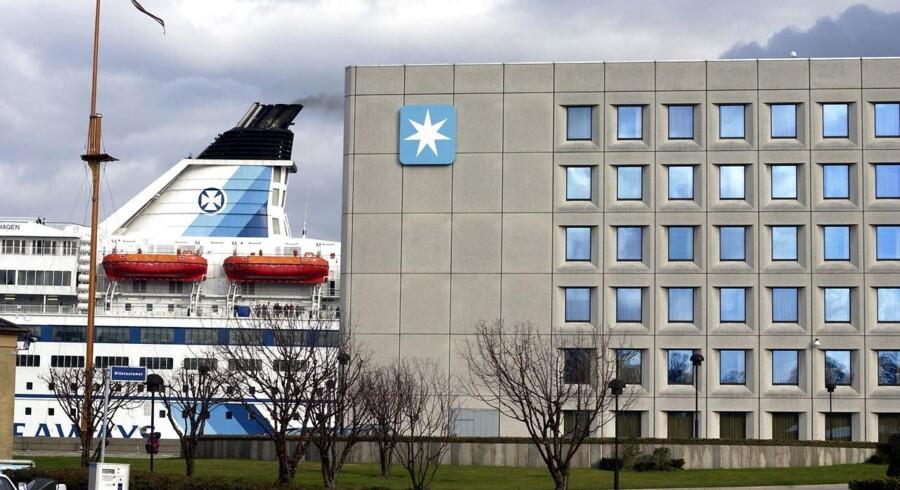 A.P. Møller - Mærsk bekræfter, at koncernen onsdag sælger sin aktiepost på 31, 3 pct. af rederi- og logistikkoncernen DFDS.