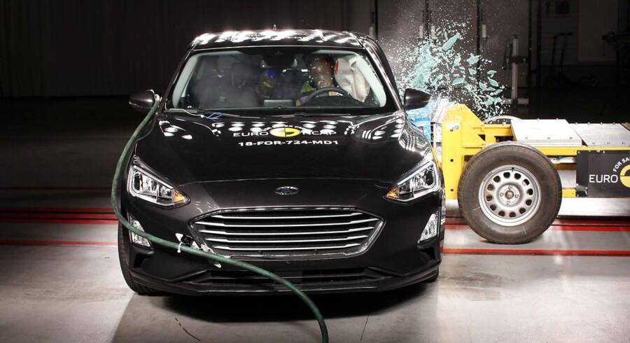 Ford Focus opnår fem stjerner i sikkerhedstest hos Euro NCAP, bl.a. på grund af effektive aktive sikkerhedssystemer