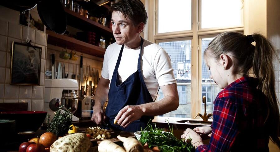 Kokken Adam Aamann her er han sammen med datteren Mira er i øjeblikket i New York for at åbne sin første restaurant uden for Danmark. Men superstormen Sandy er foreløbigt kommet i vejen.