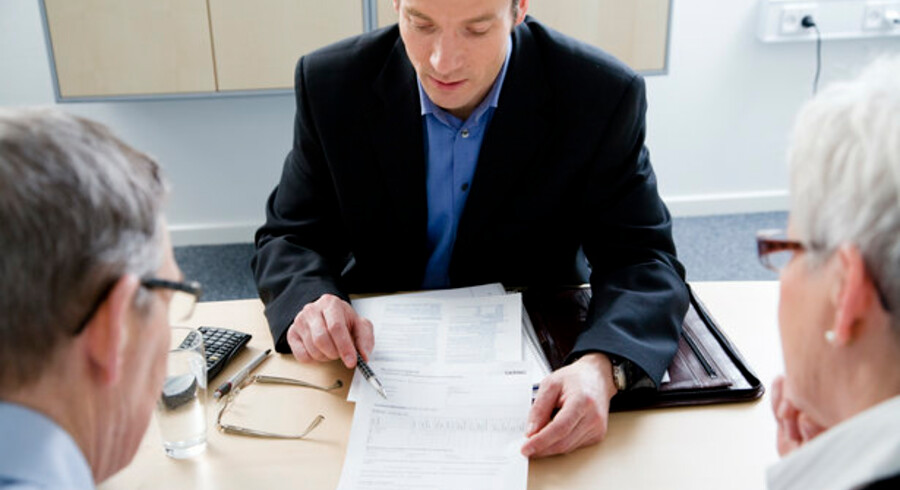 Danskere med uoverskuelig gæld kan snart få adgang til gratis hjælp.