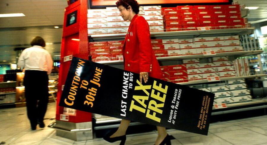 Det toldfrie salg inden for EU standsede 1. juli 1999. Nu hæves grænserne for toldfrit køb uden for EU-landene.