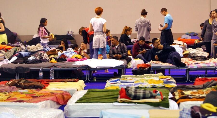 Evakuerede indbyggere fra byen Obrenovac har søgt tilflugt i et center for ofre for oversvømmelserne i Beograd, Serbien.