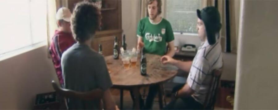 Fra Carlsbergs reklamefilm Øl-pong.
