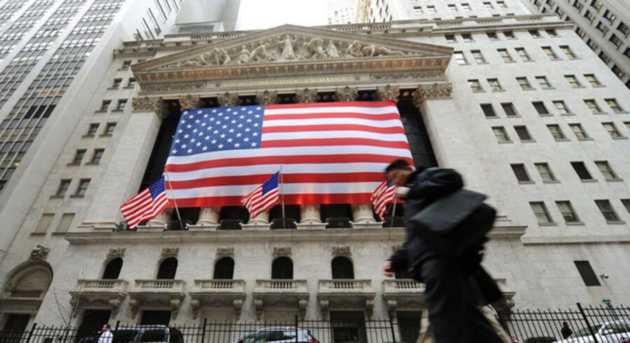 Festlig ser den ud, børsen i New York. Indenfor var stemningen dog ikke så munter. Foto: Stan Honda, AFP/Scanpix