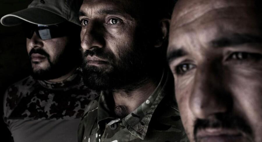 Tre lokale afghanere, som Berlingske mødte i 2011, hvor de arbejdede som tolke for de danske og britiske soldater i Helmand.
