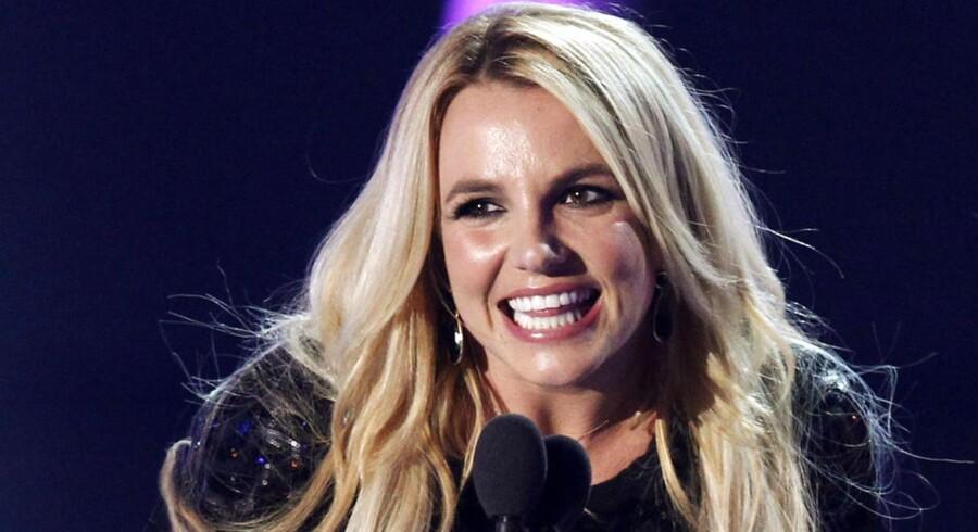 Britney Spears har været umyndiggjort i fire år, og hun virker fraværende både på scenen og under interview.