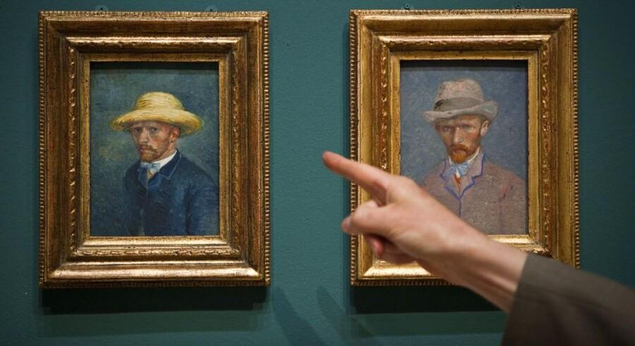 Det er i virkeligheden broderen Theo van Gogh til venstre, som Vincent van Gogh (til højre) har malt. Foto: Ilvy Njiokiktjien, AFP/Scanpix