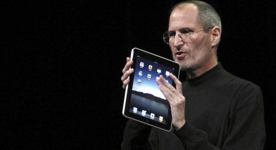 Apples nu afdøde stifter Steve Jobs resultater sikrer ham førstepladsen på Harvard Business Reviews liste over de af verdens topchefer, der har præsteret bedst på den lange bane.