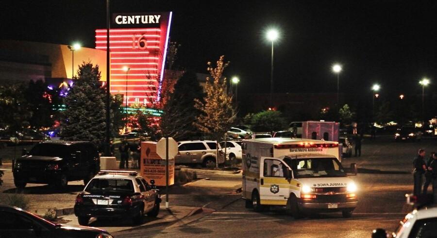 Midnatspremieren på den nye Batman-film udviklede sig til et sandt mareridt i Century 16-biografen i Aurora, Colorado. En 24-årig mand åbnede ild og dræbte 12 og sårede over 50, heraf flere alvorligt.