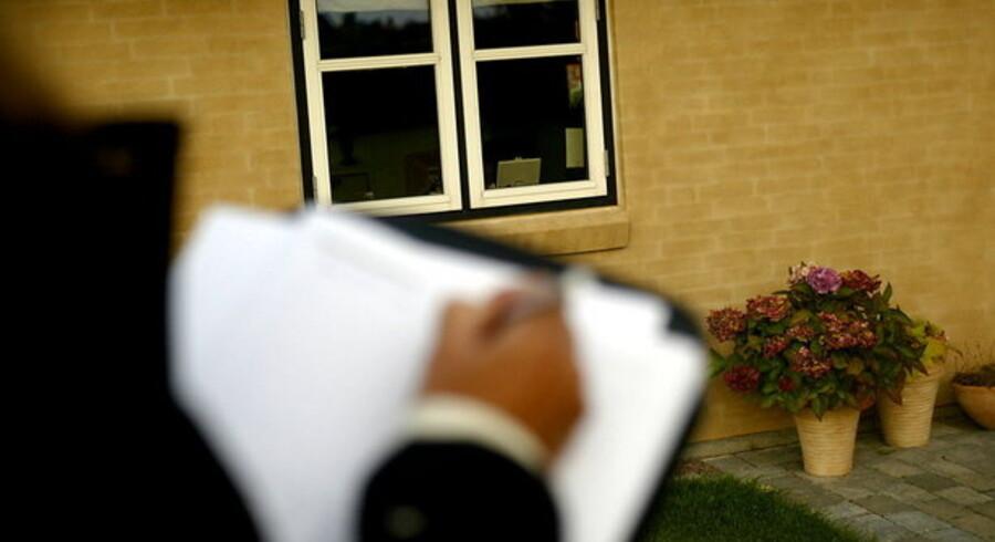 """""""Hvis folk siger, at boligmarkedet stagnerer, så er problemet løst,"""" siger finanseksperten Kim Valentin."""