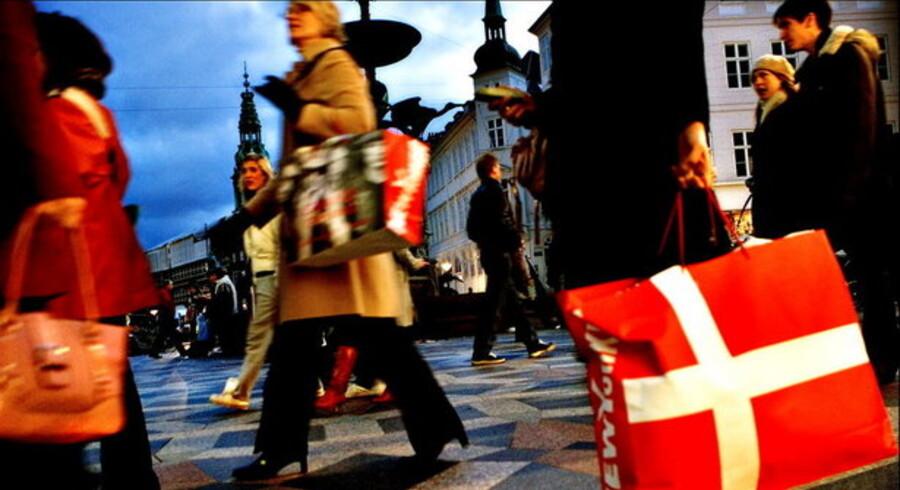 De fleste får flere penge mellem hænderne i 2009, men mange er bekymrede for at miste jobbet.