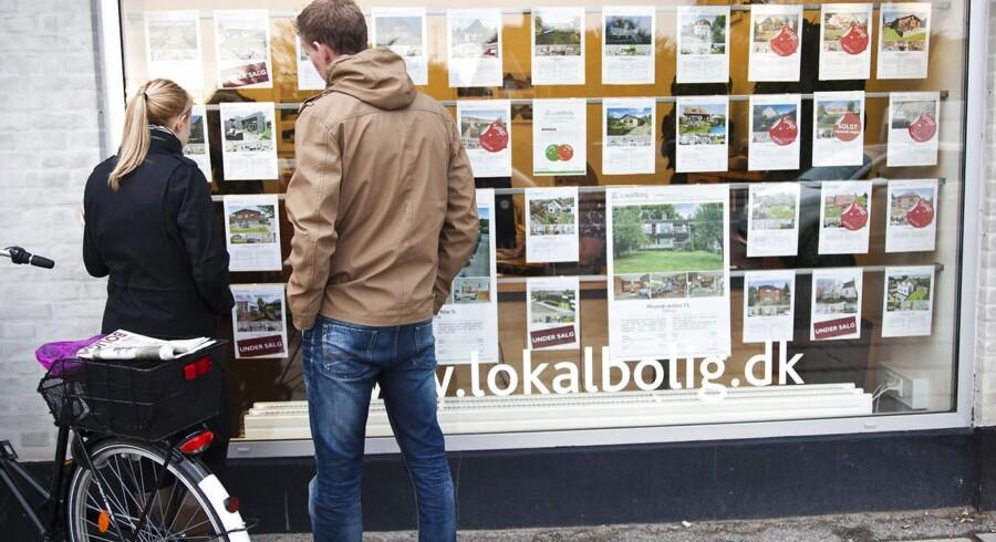 Nye indgreb skal presse boligejere væk fra flekslån, og det rammer særligt førstegangskøbere.