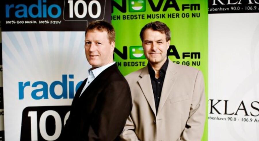 Jim Receveur (tv), ny direktør i SBS Radio, og Henrik Ravn (th), adm. direktør for SBS Media.