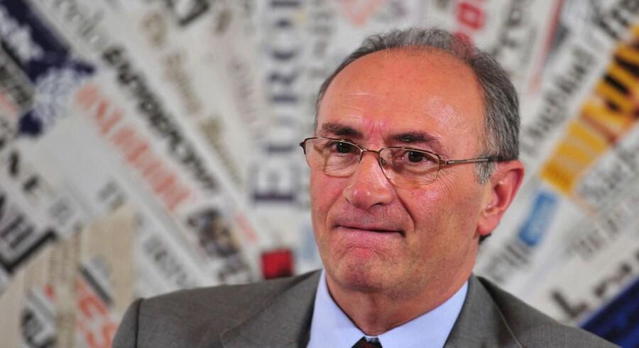Federico Ghizzoni skal som direktør for UniCredit nedlægge over 5.000 stillinger.