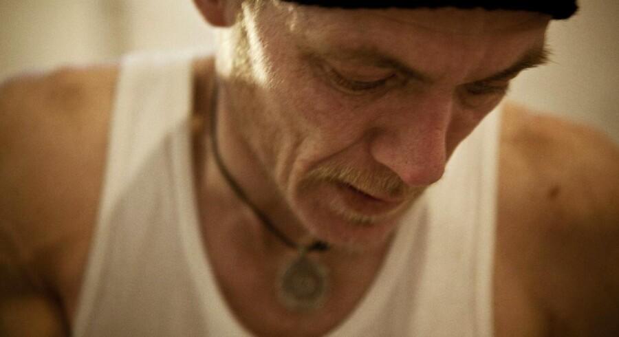 Allan er én af Vesterbros stofbrugere, som ville bruge et fixerum, hvis han fik lov. - Jeg vil ikke fixe foran børn, siger han.