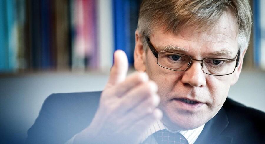 Dansk Industri med Karsten Dybvad i spidsen støtter CO2-kvoterne, men er modstandere af måden, EU vil holde priserne oppe.