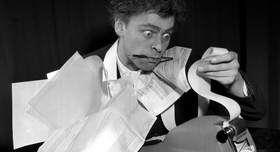 I dag er der mindre papir, men frustrationen kan være lige så stor som hos Dirch Passer for 50 år siden. (arkiv)