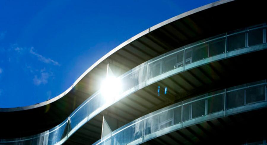 En stor gruppe danskere tror stadig, at boligpriserne vil stige i 2009, selv om de fleste eksperter siger det modsatte.