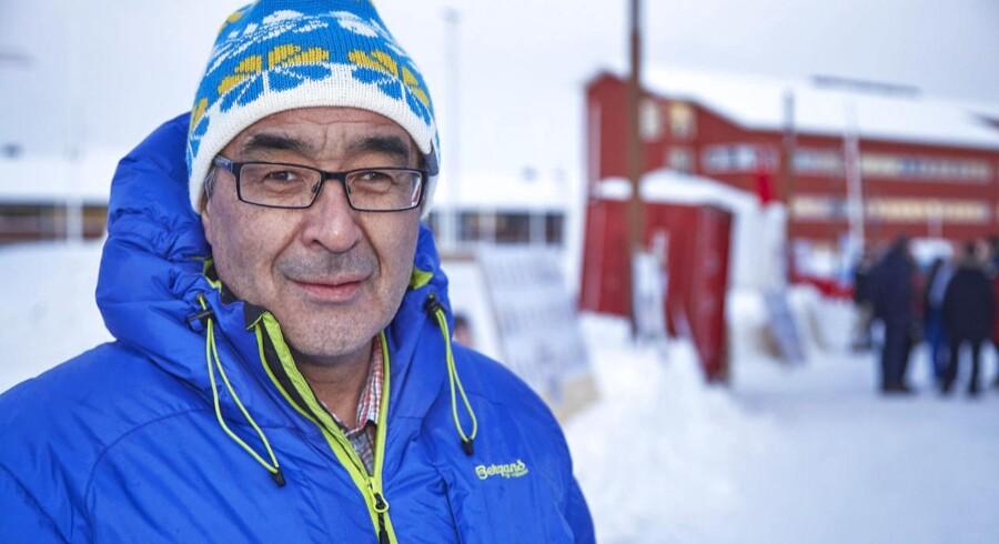 Hans Enoksen, Partii Naleraq, sidder med takststokken, når der den kommende tid skal forhandles regeringsgrundlag, vurderer grønlandskender Ulrik Pram Gad.