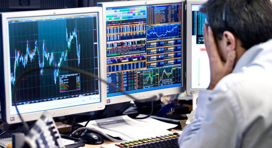 Op eller ned? Aktier eller obligationer? Aktiestragerne er ikke enige om, hvordan den private investor skal forholde sig for tiden.
