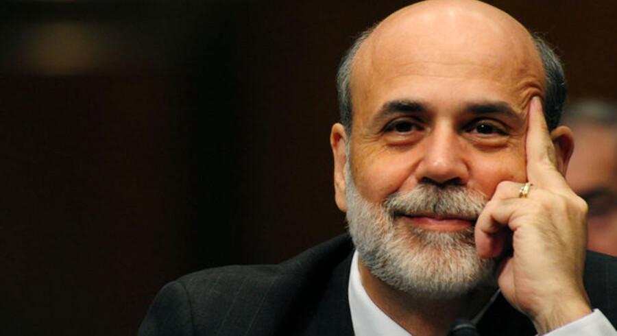 Ben Bernanke får yderligere mindst fire år som centralbankchef.
