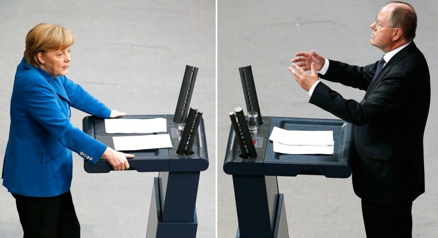 Den tyske kansler Angela Merkel fra CDU og kanslerkandidat Peer Steinbrück fra SPD krydsede klinger, da den tyske forbundsdag tirsdag havde sin sidste debat før valget den 22. september. Her er to billeder af dem sat over for hinanden. FOTO: REUTERS/Fabrizio Bensch (GERMANY - Tags: POLITICS ELECTIONS)