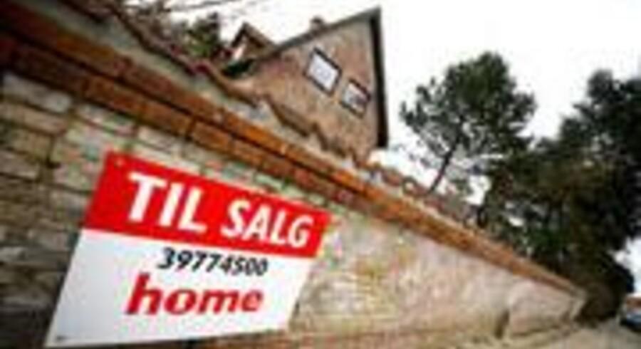 Ifølge opgørelsen blev villaer, der blev solgt i 2012 og havde været på markedet i over to år, afsat med et prisnedslag på 13 procent.