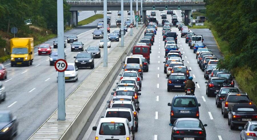 Bilkø på Lyngbyvejen mod København.