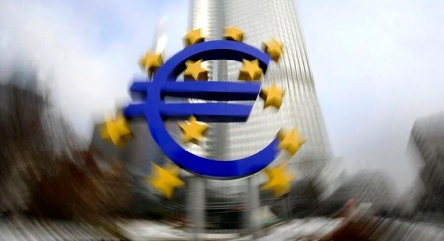 Euroen er ikke længere helt så populær blandt danskerne, selv om flertallet stadig gerne vil af med kronen. Foto: Kai Pfaffenbach, Reuters/Scanpix