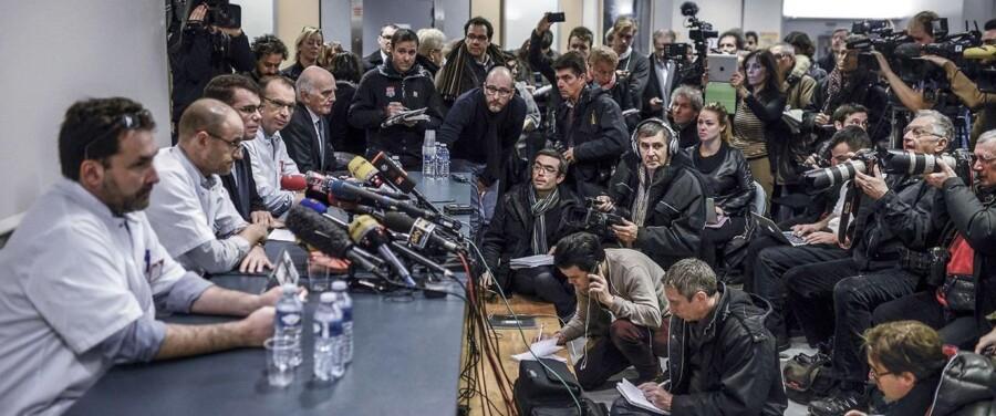 Læger fra hospitalet i Grenoble orienterede mandag pressen om Michael Schumachers tilstand.
