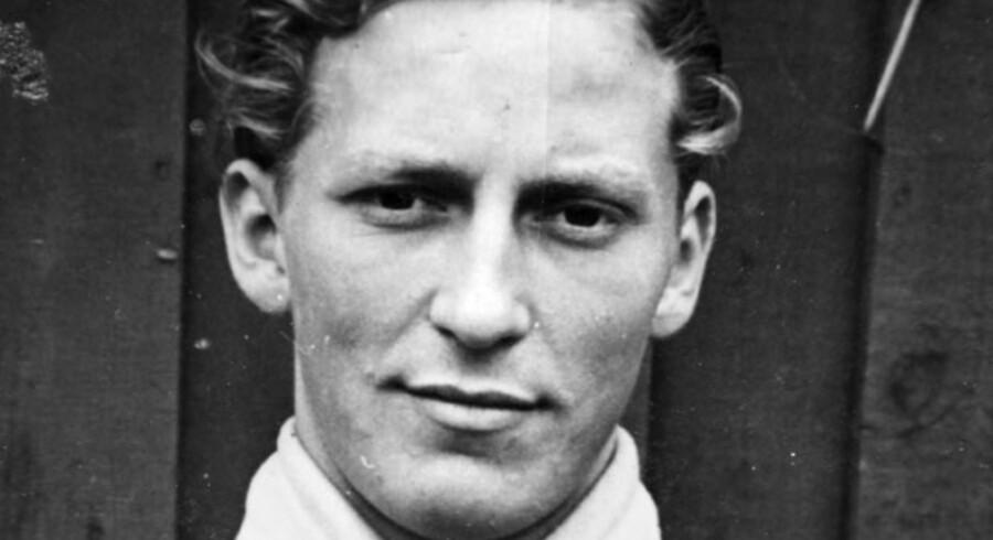 Carl Adolf Sørensen var bare 17 år, da nazisterne tog ham for sabotage. Få måneder efter var isenkræmmerlærlingen fra Horsens tvangsarbejder på en tysk batterifabrik.