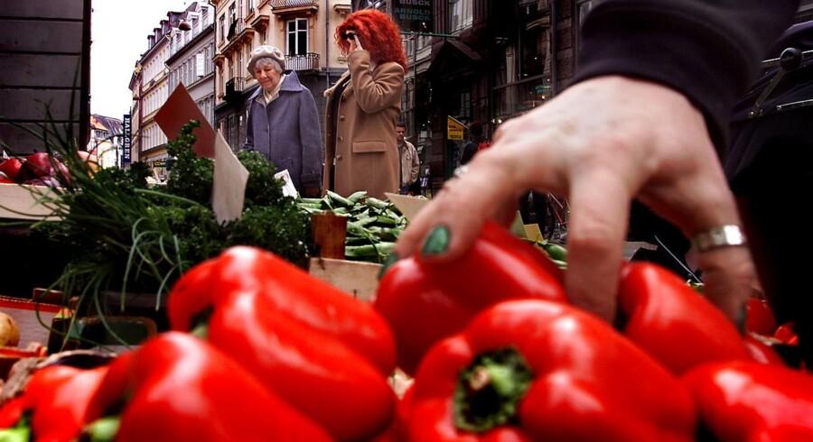 Frugt og grønt skal skyldes grundigt, inden det spises, hvis du vil undgå at blive syg.