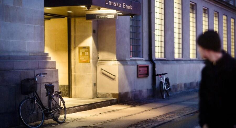 Debatten om bankernes mulige medansvar for finanskrisen får mange kunder til at gå udenom de store banker.