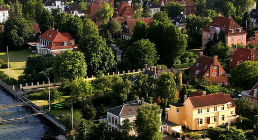 Nogle få boligsælgere vælger at sætte priserne på deres udbudte boliger op.