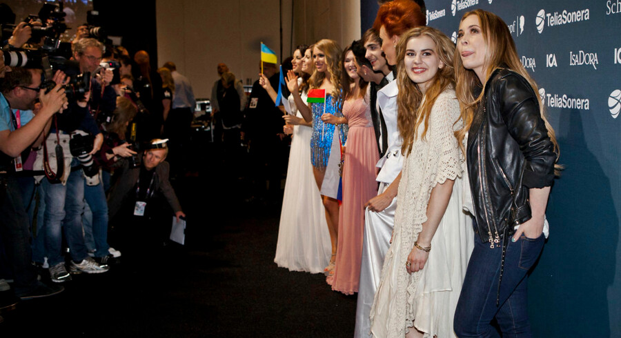 De første finalister deltog i går aftes i et pressemøde umiddelbart efter semifinalen. I alt gik 10 lande videre, mens seks lande måtte vinke farvel til drømmen om en finaleplads på lørdag.