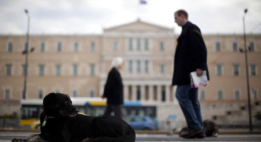 Den græske regering har strammet dokumentationskravene overfor de græske butikker.