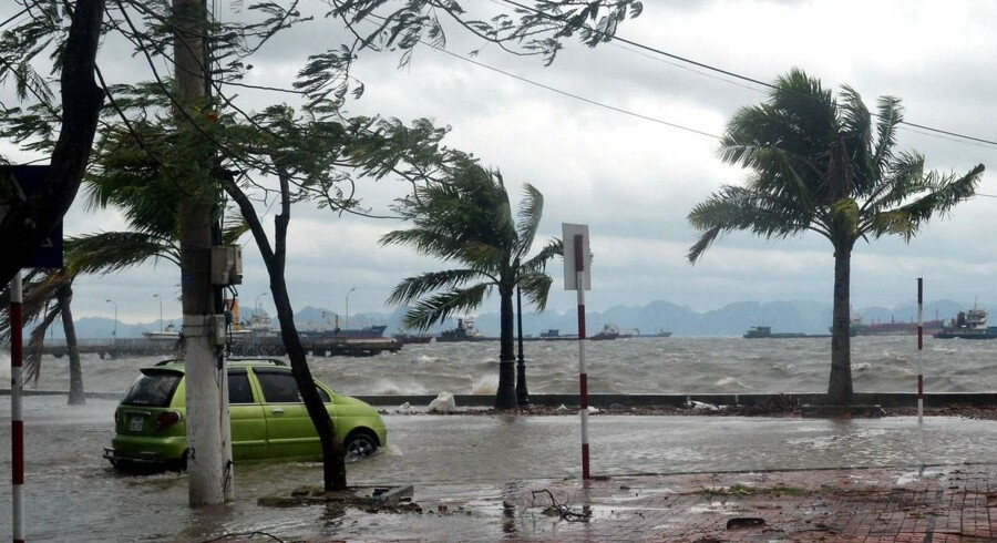 Tyfonen Haiyan gik i land i Vietnam i nat, dansk tid, men forårsagede langt fra de samme voldsomme ødelæggelser som på Filippinerne.
