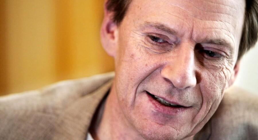 Jesper Christensen, skuespiller, nægtede at modtage ridderkorset, og den handling har nu indbragt ham en pris.