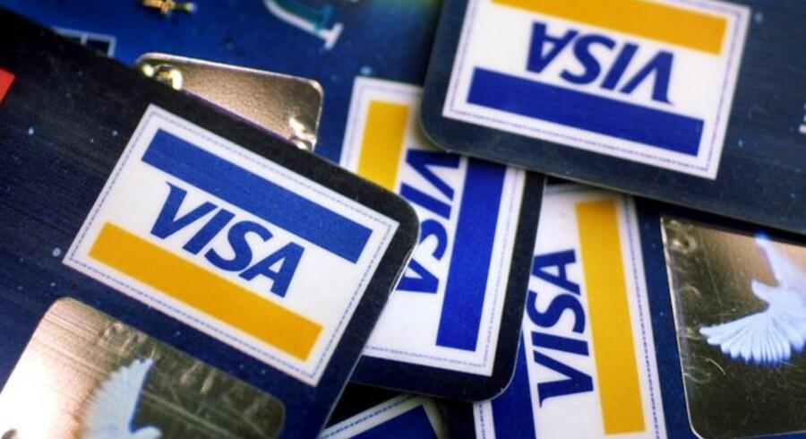 Dankortet er stadig en solid nummer 1, men internationale kreditkort trænger sig på.