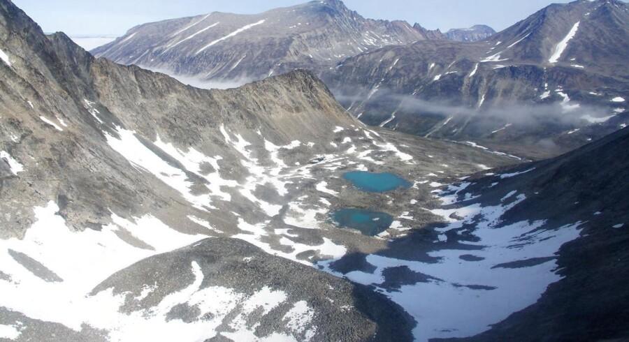 Verdens tredjestørste aluminiumsproducent, Alcoa, er kommet igennem med en stribe af sine forhandlingskrav til Grønland. Alcoa får eksempelvis adgang til vandkraft i op til 80 år.