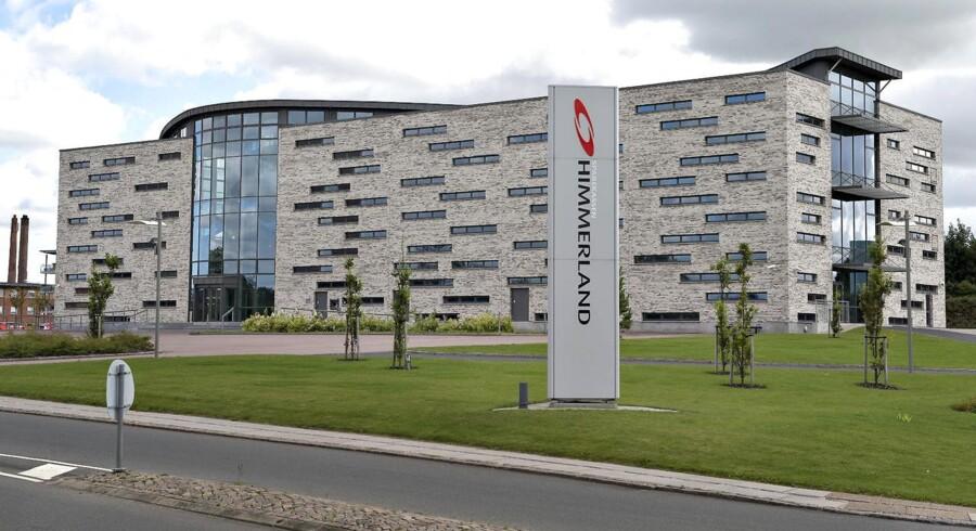 Her ses hovedsædet for Sparekassen Himmerland i Års i Himmerland.