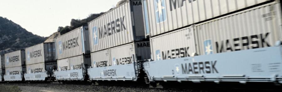 Den økonomiske krise betyder, at der bliver færre containere at transportere – både til lands og til vands.