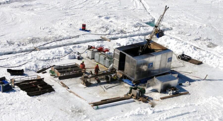 Den danske regering bliver snart nødt til ikke bare at mene noget, men til at tage mere håndfast fat om invitationen fra Grønland og om resten af den arktiske udfordring, mener journalist og forfatter, Martin Breum.