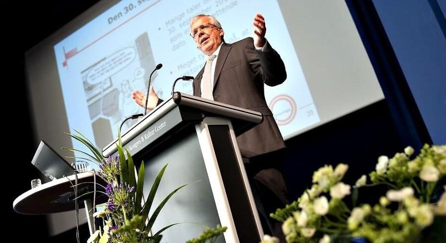 Afgående formand Bent Naur, aflægger beretning ved 2010 generalforsamlingen i Lokale Pengeinstitutter.