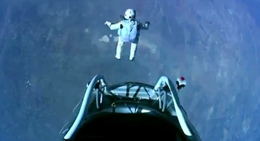 Alt forløb efter planen, da Felix Baumgartner lod sig falde mod jorden i frit fald fra kanten af rummet.
