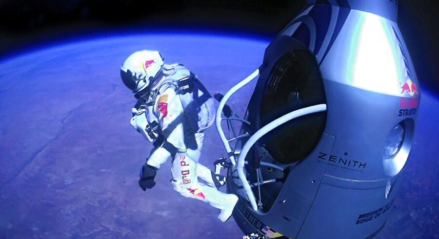 »Når du står deroppe på toppen af verden, så bliver du så ydmyg. Så handler det ikke om at slå rekorder. Det handler om at komme hjem,« understreger Felix Baumgartner efter sit rekordspring.